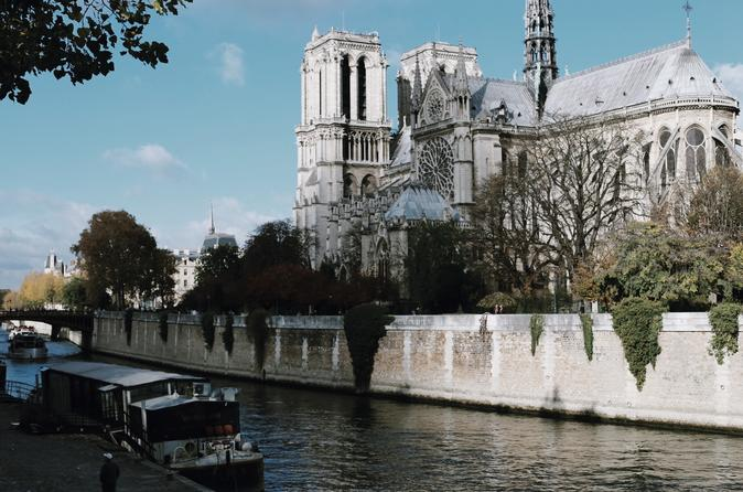 Small Group Guided Walking Tour: Paris City Center Including Notre-Dame Interior