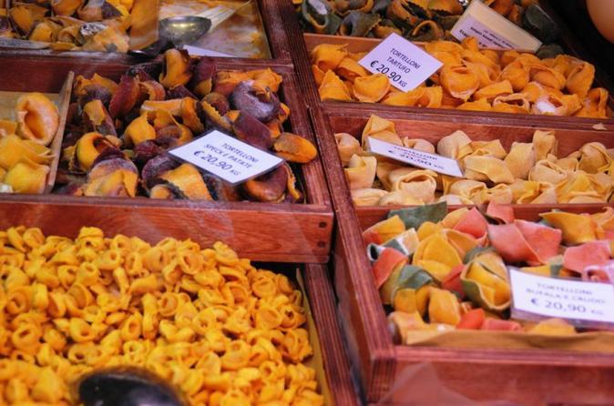 Bologna Small-Group Food and Walking Tour