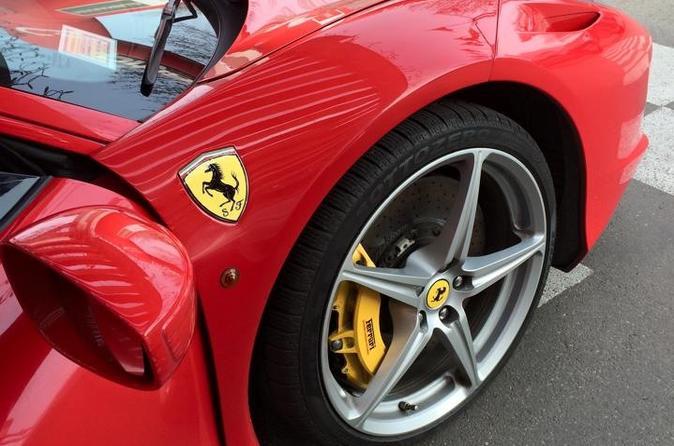 Excursão à Fábrica da Ferrari, Pagani e Lamborghini saindo de Bolonha