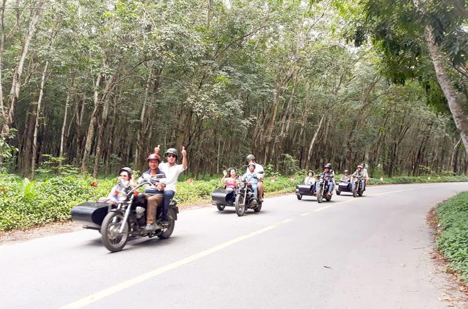 Chef Vu Cooking Class and Cu Chi tunnels full day tour