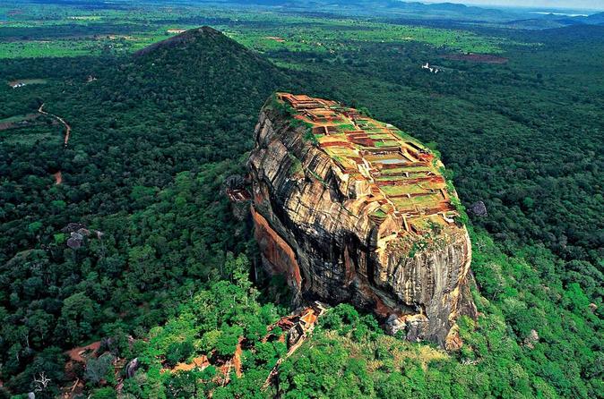 Private Sigiriya & Dambulla Day Tour From Colombo