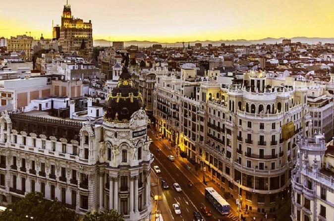 Walking tour through old Madrid