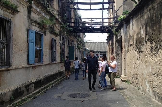 East Meets West: Bang Rak District Walking Tour in Bangkok