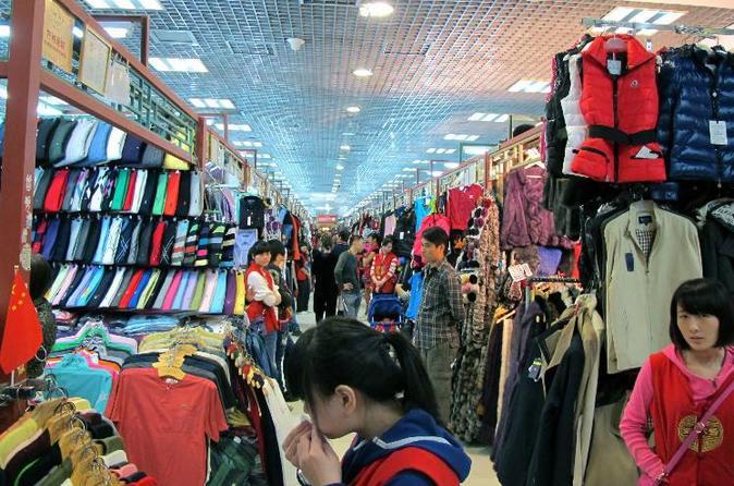 5-hour night layover at Peking Duck Dinner & Silk Market Shopping