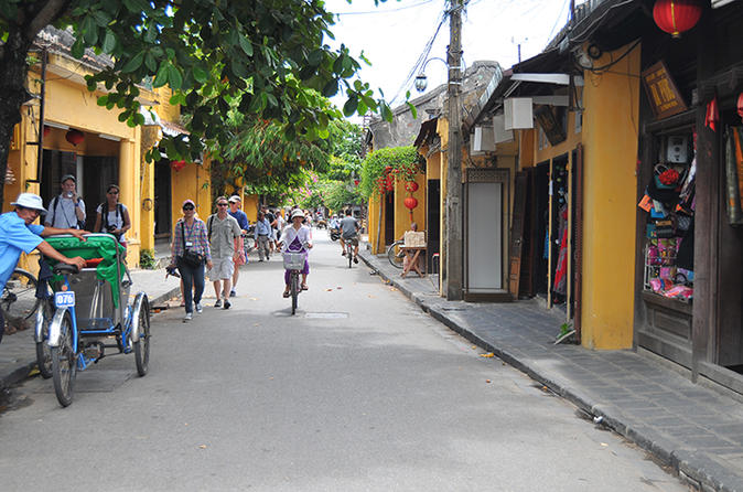 Half day tour of hoi an ancient town from da nang in da nang 194525