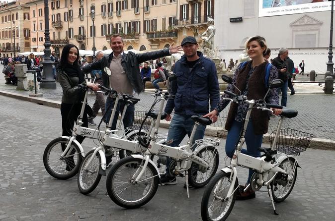 ROME E-BIKE TOUR WITH A LOCAL