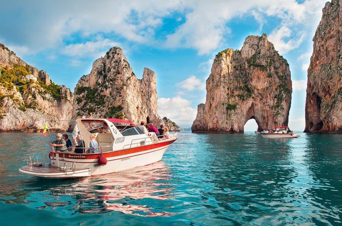 Cruzeiro de um dia a Capri para grupos pequenos saindo de Sorrento
