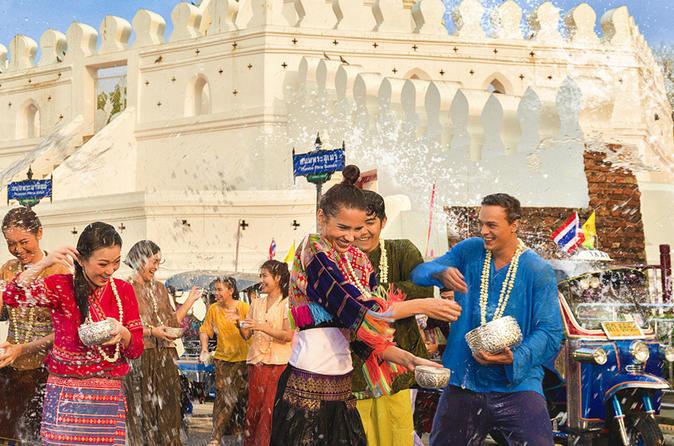 Private Tour with Tuk Tuk Water Battle for Songkran Water Festival in Bangkok