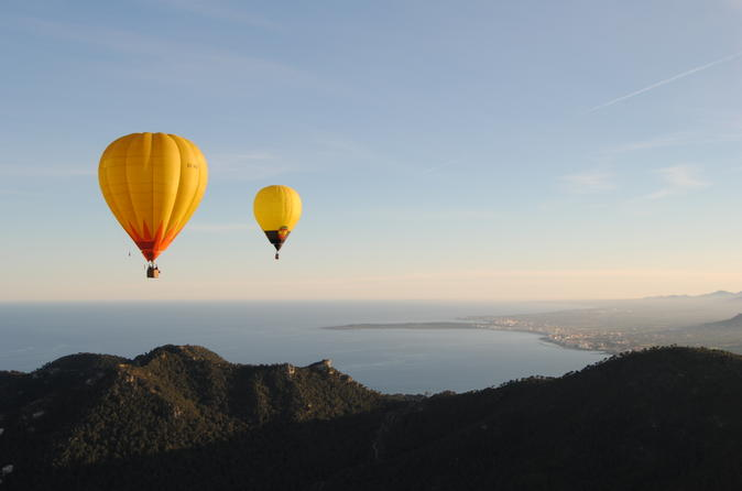 Private Hot Air Balloon Ride in Mallorca with Champagne and Tapas