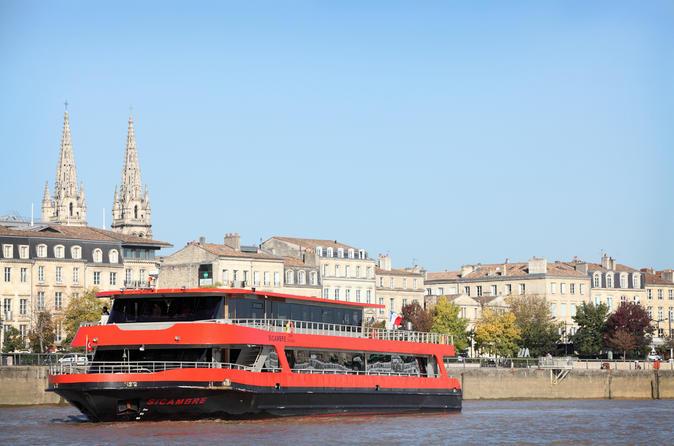 Passeio de barco pelo Rio Garonne, incluindo degustação de vinhos da região de Bordeaux