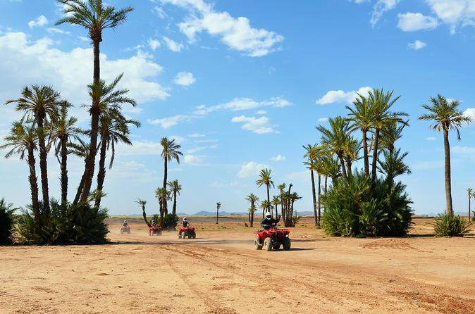 Excursão de camelo e motocicleta de quatro rodas saindo de Marraquexe