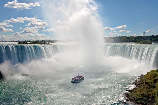 Niagara falls boat tour voyage to the falls in niagara falls 461403