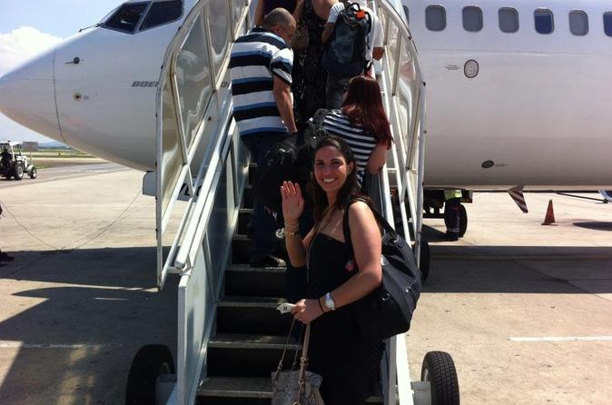 Shared Departure Transfer: Providenciales Hotels to Providenciales Airport