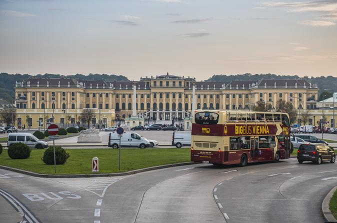 Excursão com várias paradas da Big Bus por Viena