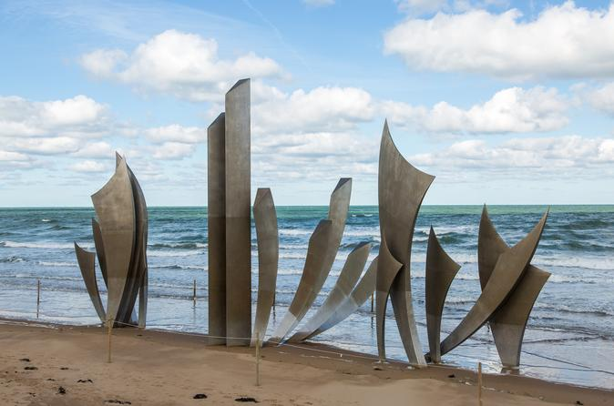 Normandy D-Day Landing Beaches and Honfleur Harbour Day Trip from Paris
