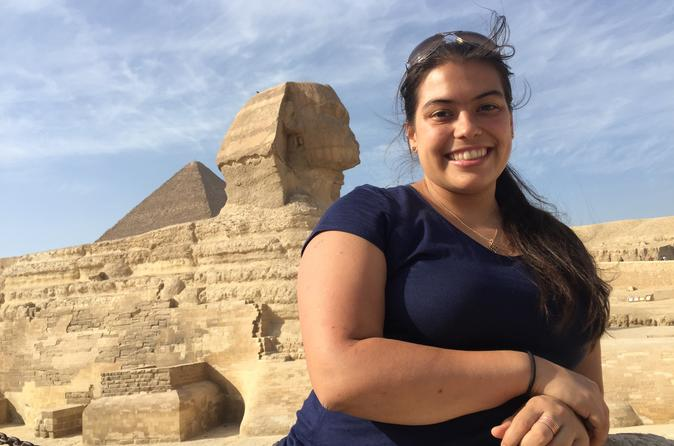Day Tour to Pyramids of Giza and Egyptian Museum with Lunch