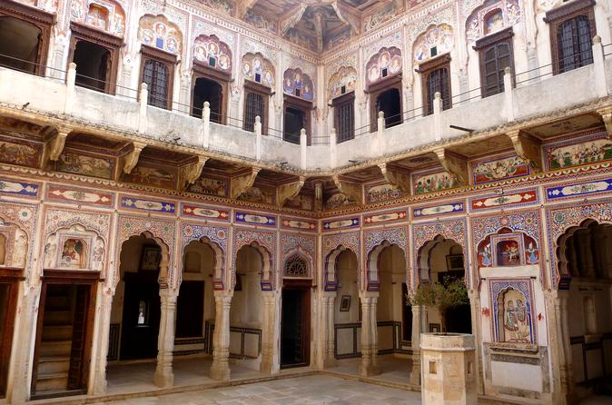 Shekhawati Tour Manadawa, Navalgarh Etc By Private Car Driver For 2 Adult 1child - Delhi