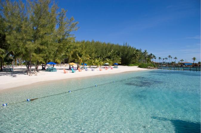 Dia na praia com tudo incluso na Ilha Blue Lagoon saindo de Nassau