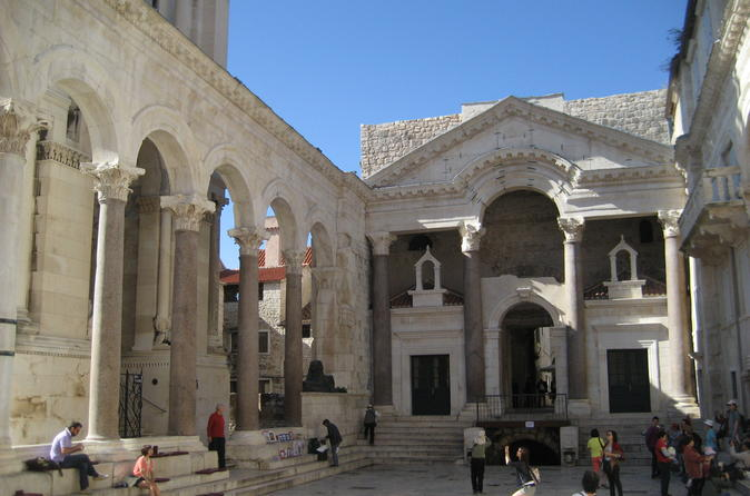 Split walking tour including diocletian s palace and traditional snack in split 161629