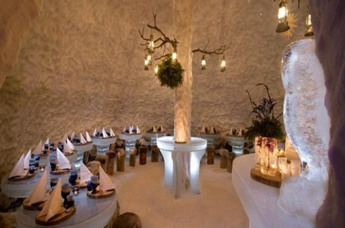 Boxing Day Dinner at the Snowland Igloo Restaurant in Rovaniemi