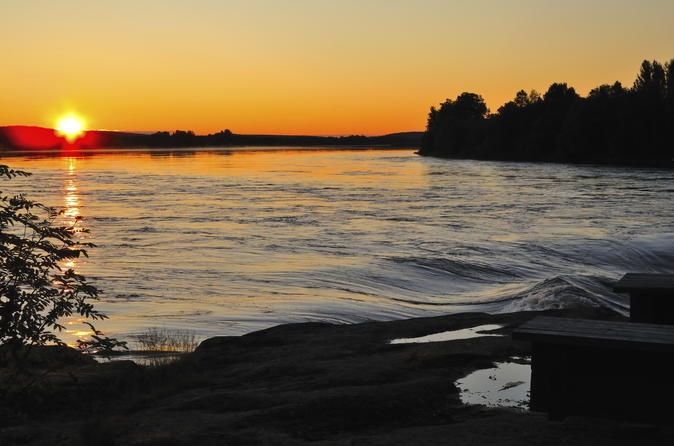 Midsummer special evening riverboat cruise dinner and midnight sun in rovaniemi 184046
