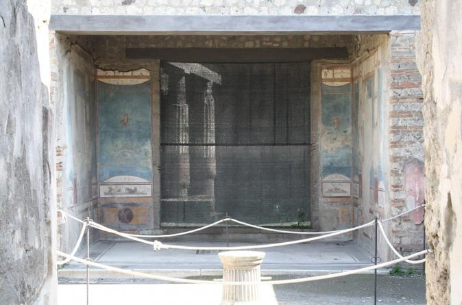Pompeii guided small group tour in pompei 224079