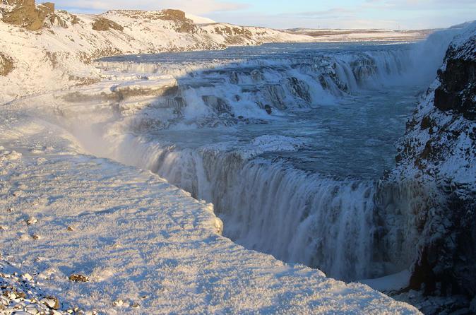 Glaciers and Aurora: Around Iceland in Winter