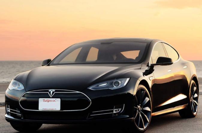 Hong Kong Airport Transfers By Tesla