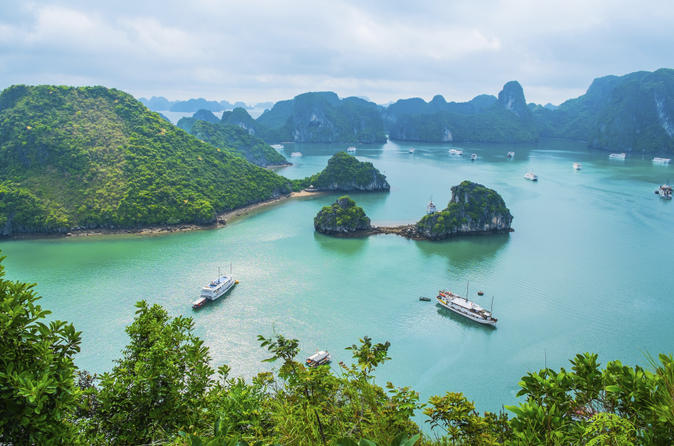 Private Halong Bay Sailing Cruise from Hanoi