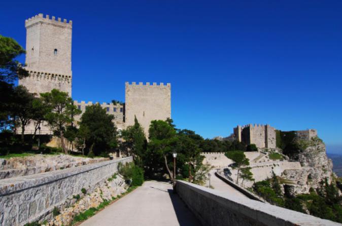 Viagem diurna a Erice e Segesta saindo de Palermo, com a gastronomia da Sicília e degustação de vinhos