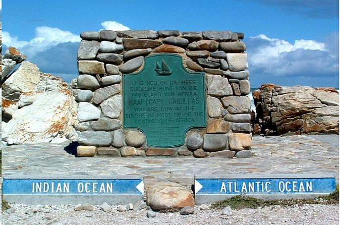 CAPE AGULHAS DRIVE TO PACIFIC & INDIAN OCEAN MEETING POINT - Cape Town