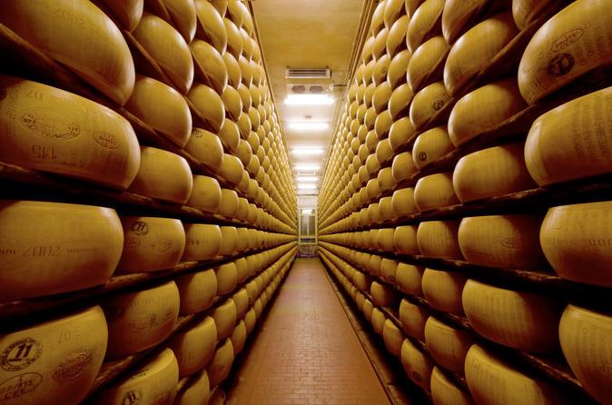 Excursão gastronômica particular em Emilia Romagna saindo de Parma ou Bolonha