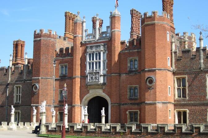 Fascinating tour of Hampton Court Palace