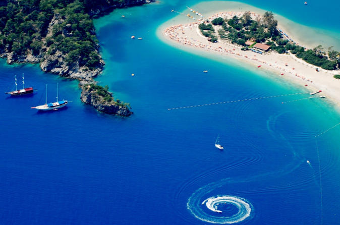7-Day Turkey Tour: Sightseeing Tour of Bustling Istanbul and Relaxing Gullet Cruise from Fethiye