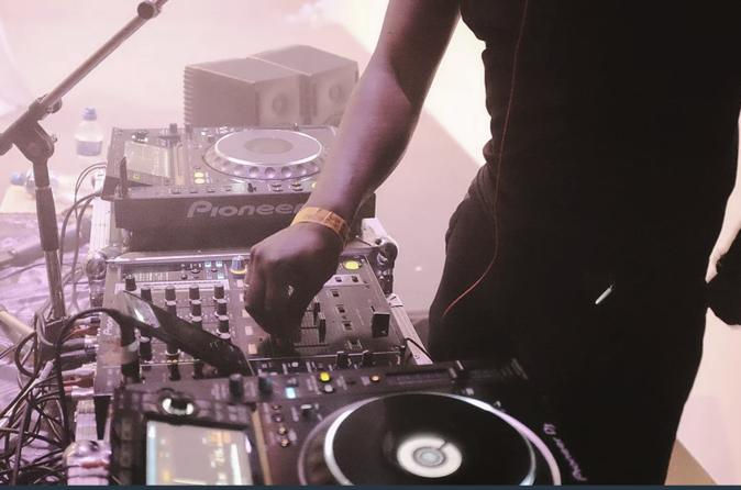 Become DJ-Your Chance To Learn How DJ In Style