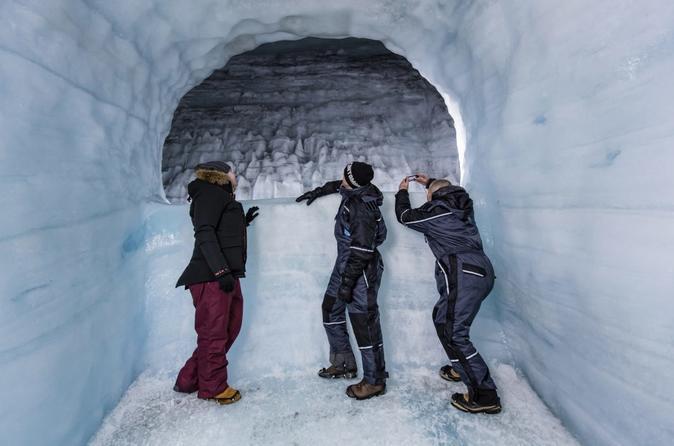 Borgarfjordur, The Saga, Krauma & The Caves Private Tour - Reykjavik