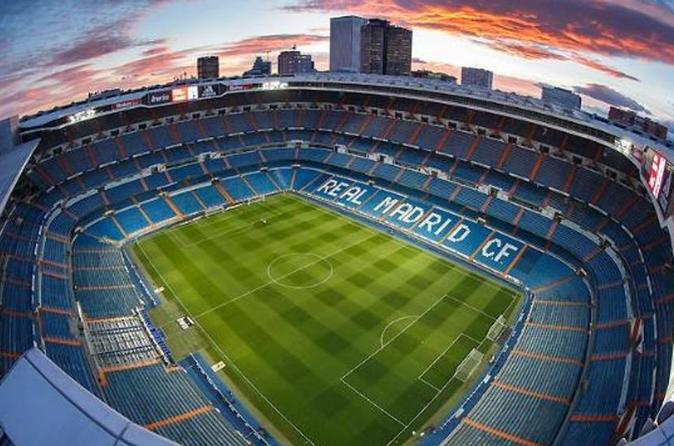 3 Hours E-Bike tour from the City center to Real Madrid Stadium and it's Museum