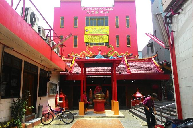 Jakarta chinatown discovery with lunch and coffee in jakarta 241127