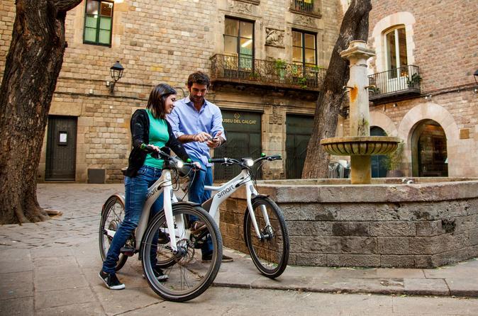 Destaques 360° de Barcelona: excursão de bicicleta elétrica, bondinho e cruzeiro de barco