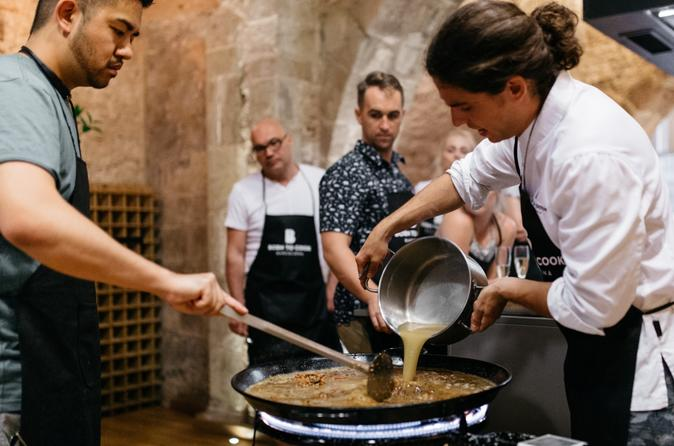 Paella Cooking Workshop With A Chef & Lunch, Wines & Friends - Small Group - Barcelona