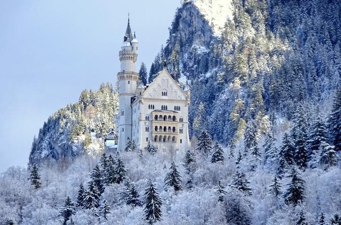 Neuschwanstein Castle, Linderhof Palace, and Oberammergau Day Trip from Munich