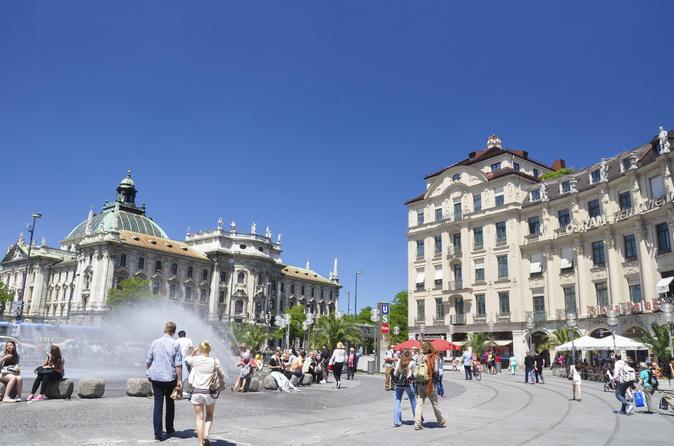 Tour in bicicletta di Monaco con visita facoltativa a Königsplatz e all'Olympiapark