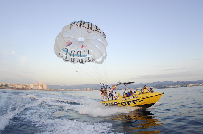 Experiência de Parasailing em Ibiza
