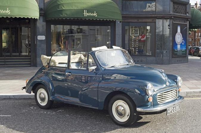 Private Tour: London Christmas Lights in a Vintage Car with Optional Champagne
