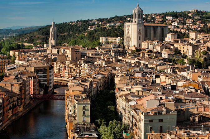 Private Tour: Girona, Pals and Peratallada Medieval Towns from Barcelona