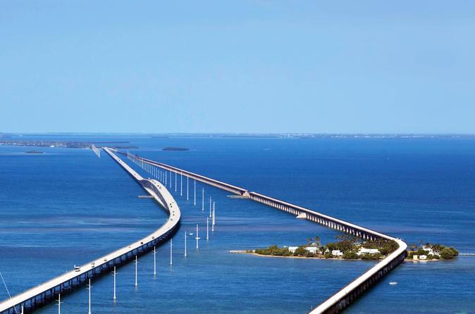 Key West Tour with Stop at Islamorada for Tarpon Fish Viewing