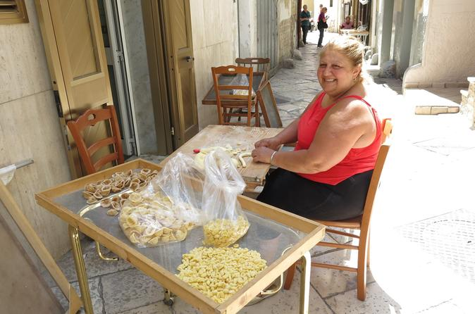Private Bari Walking Tour with Pasta Class