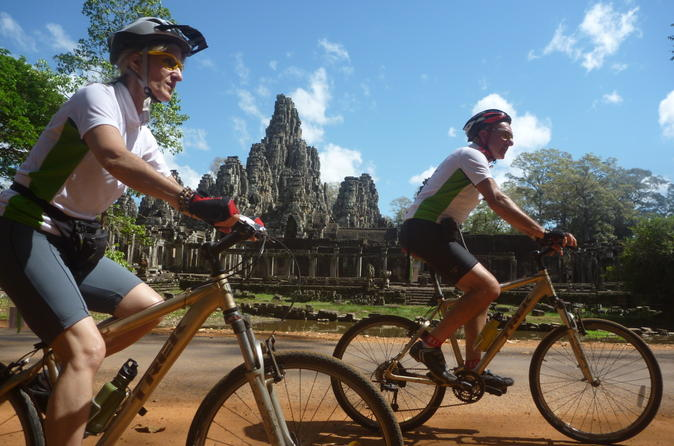 Angkor sunrise discovery bike tour in siem reap 179321