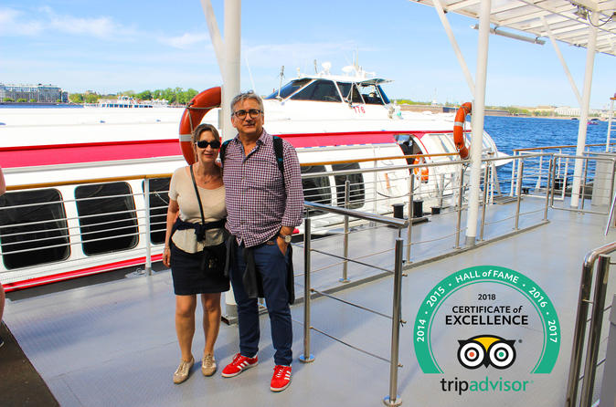 Hermitage and Peterhof Fountains by Hydrofoil Day Tour