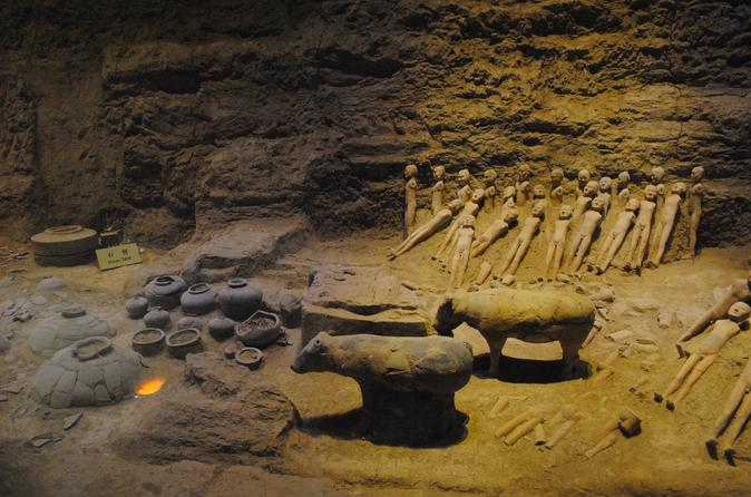 Private Day Tour To The Terra-cotta Army And Jingdi Tomb (Yangling Mousolium) - Xian